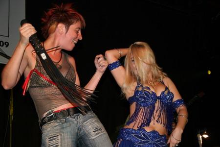 рок-музыка и танец живота
